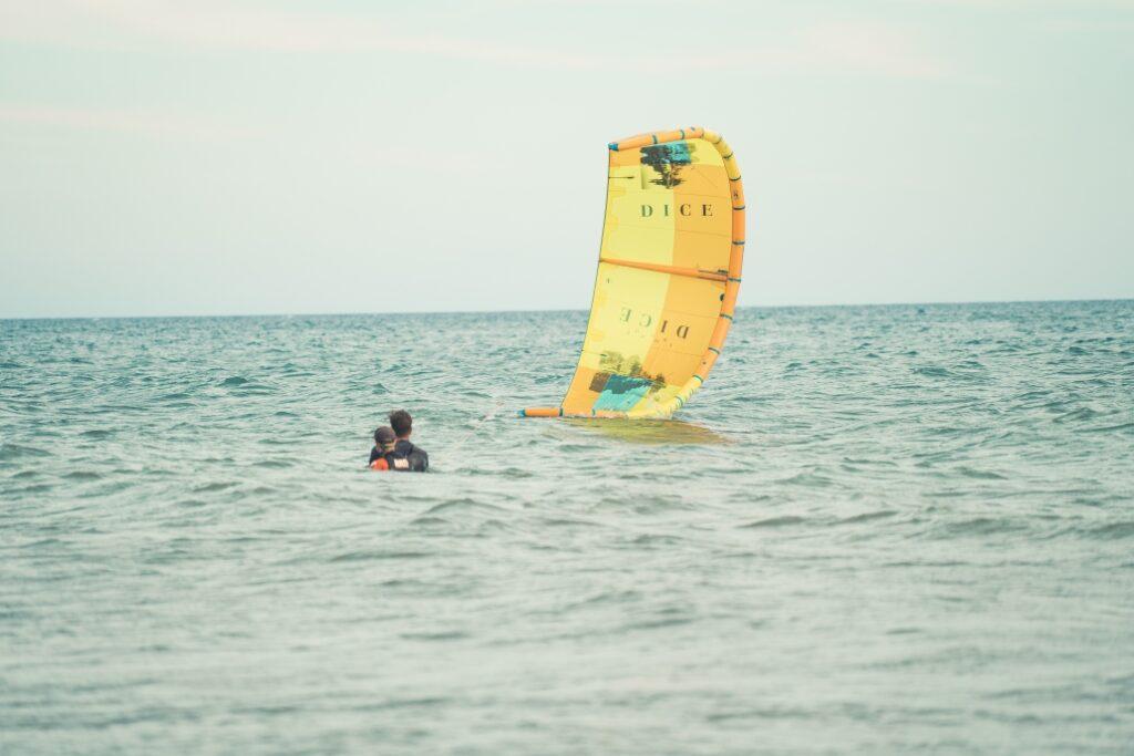 kitesurfen lernen, einzelunterricht, stehrevier, kitespot montenegro