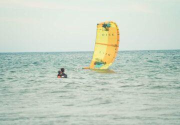 kiteunterricht, kitelehrer, kitesurfen anfänger